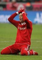 Arjen Robben nach seiner ersten Möglichkeit zum 2:1 - nach dem Siegtreffer ein Fall für den Papierkorb