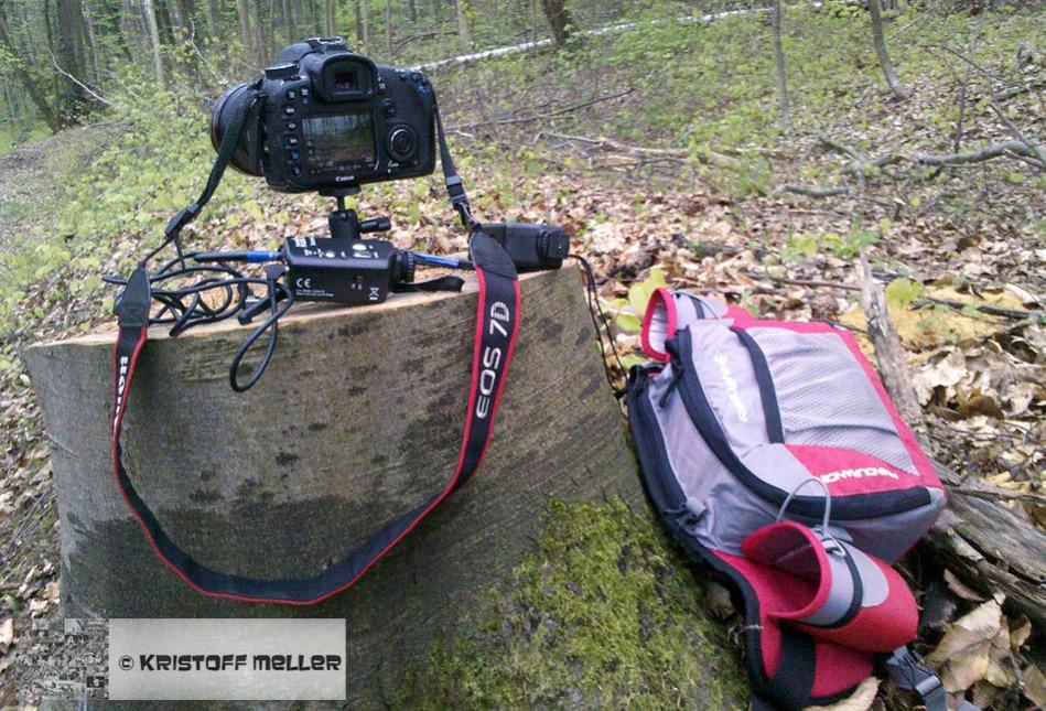 Passt alles in die Endurance-Hüfttasche: Canon EOS 7D mit EF 16-35mm 2,8, Pocket Wizards, Kabel und kleinem Stativ
