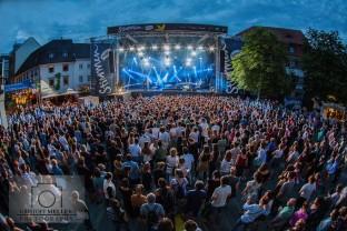 Stimmen-Festival 2017 - Tom Odell und Konni Kass (Support) auf dem Marktplatz Lörrach